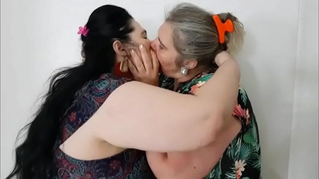 بوس الجدات