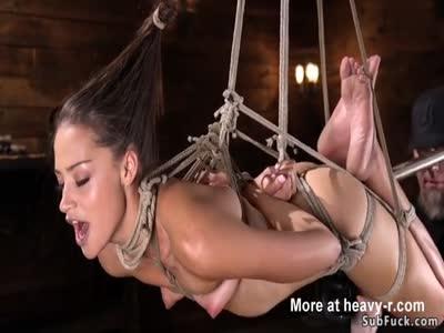 تعذيب بالحبال