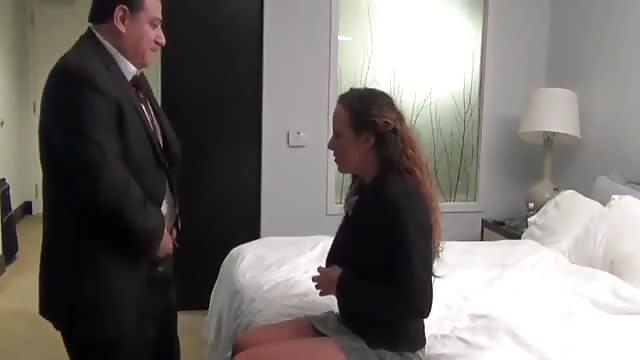 سكرتيرة تتناك في الفندق