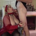 تخينة عجوزة مع حفيدها